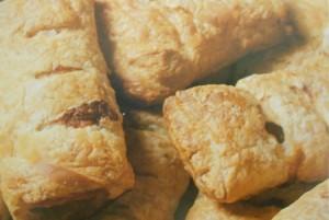 Involtini di salsiccia - Ricetta antipasti e snack incucinaconte.it
