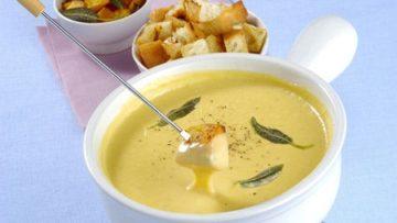 Ricetta Fonduta - Ricette cucina con formaggio: Fonduta - Incucinaconte.it
