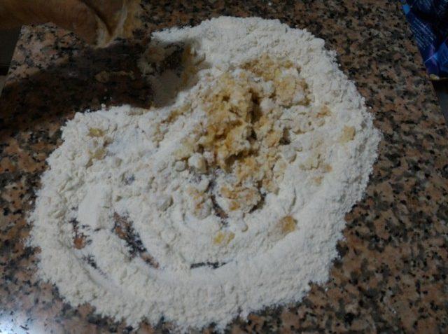 Gnocchi al sugo e paprika. Ricetta gnocchi e ricette piatti unici - Incucinaconte.it
