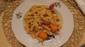 Insalata di pasta con melone e speck ricetta - Ricette Incucinaconte.it