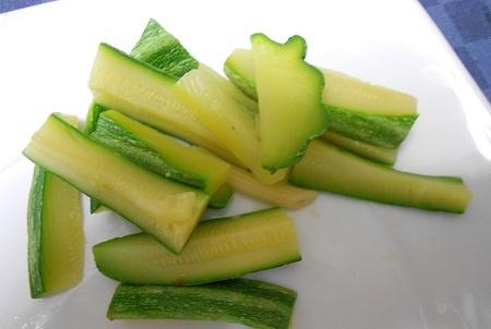 Zucchine lesse ricetta - Ricette secondi piatti InCucinaConTe.it