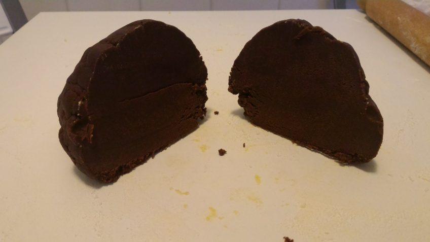 Biscotti Pasta frolla ricetta cacao e cioccolato. Ricette base cucina biscotti pasta frolla natalizi