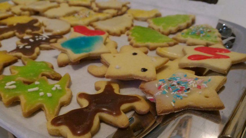 Biscotti Pasta frolla ricetta. Ricette base cucina biscotti pasta frolla natalizi