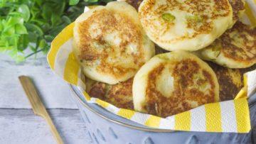 Frittelle mediterraneee ricetta. Ricette antipasti fritti e veloci