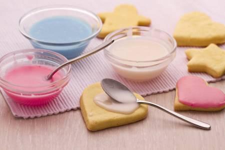 Ricetta glassa all'acqua per guarnire dolci, biscotti e cupcake