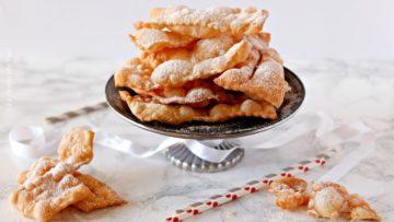 Chiacchiere di pasta lievitata - Ricette Carnevale chiacchere