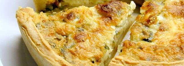 Torta rustica salata con fiori di zucca. Ricetta torta Pasqua